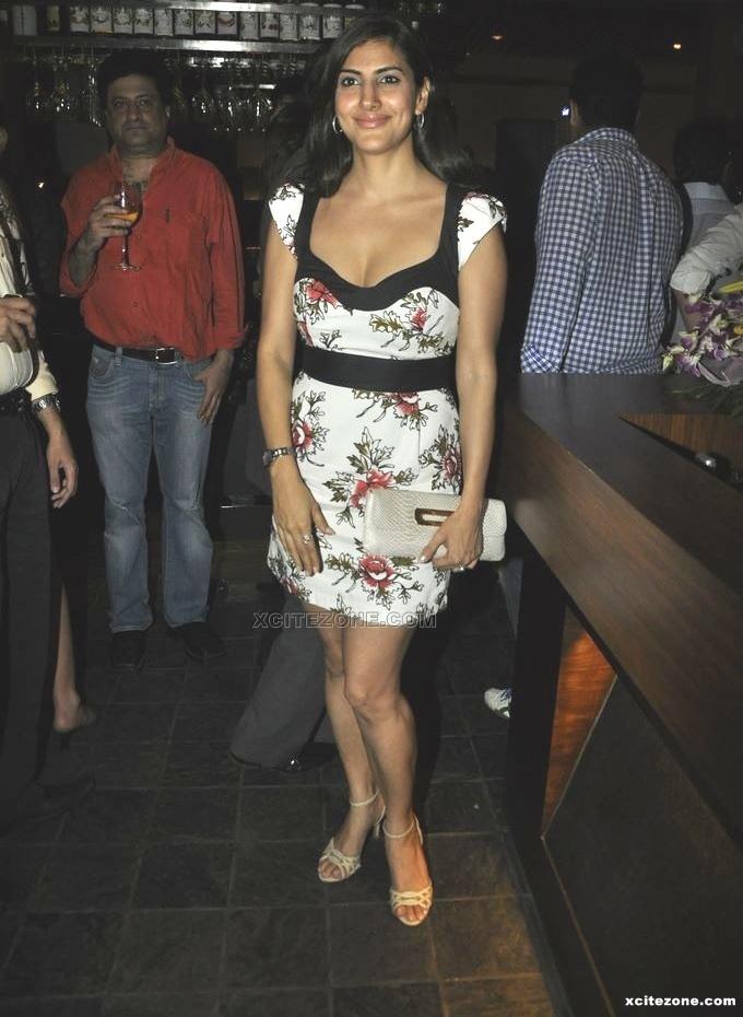 , Sexy Parizad Kolah, Shweta Keswani, Gauri Pradhan at 212 Restaurant Launch