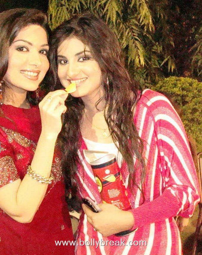 , Sataesh Khan Pics - Beautiful Pakistani Actress