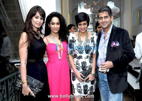 , Jacqueline Fernandez and Mandira Bedi at Jimmy Choo bash