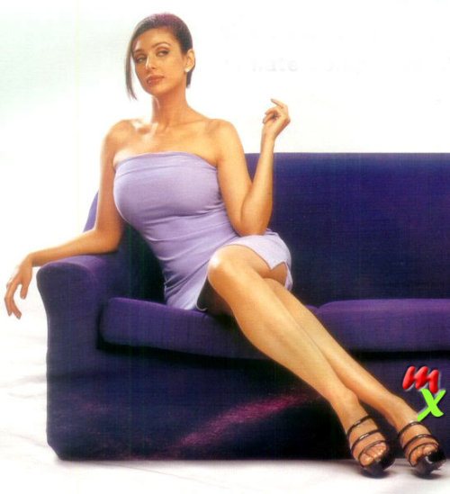 Lisa Ray Hot & Sexy Pics