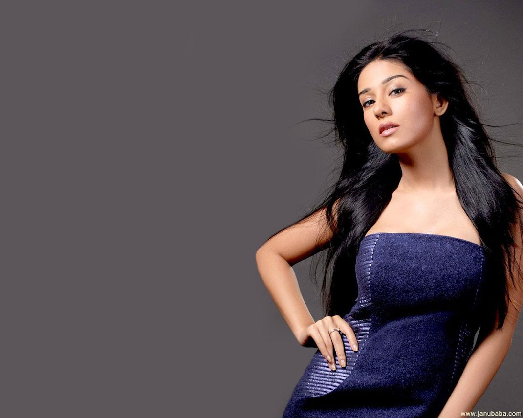Amrita Rao Latest HOt Wallpapers