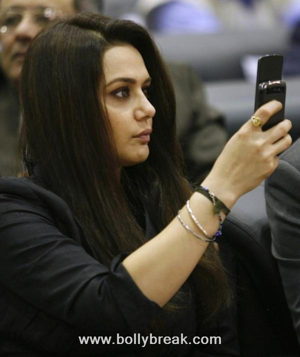 Preity Zinta at Vibrant Gujarat Summit