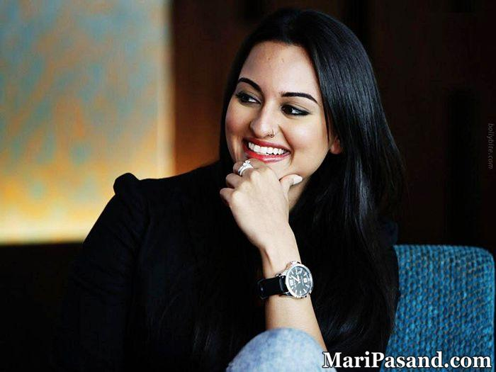 Beautiful Sonakshi Sinha Face / Nose Ring Close Up Pics