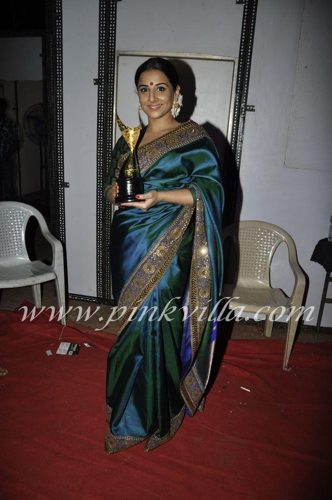 Vidya Balan at Apsara Awards 2011