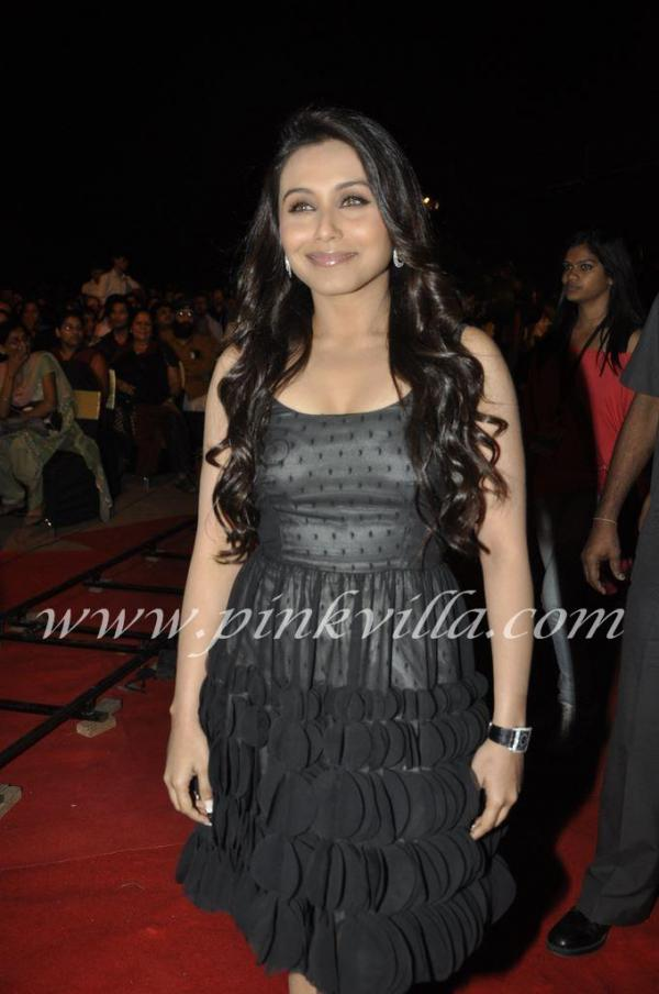  Rani Mukherjee in Black at Apsara Awards 2011
