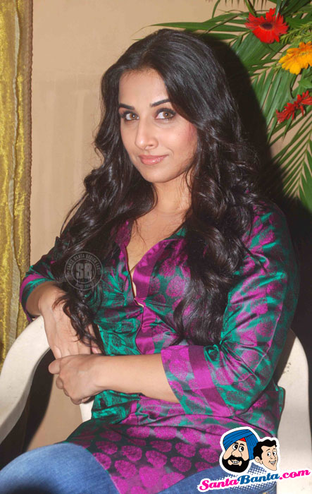 Rani, Vidya on Na Aana Is Desh Ladoo Sets