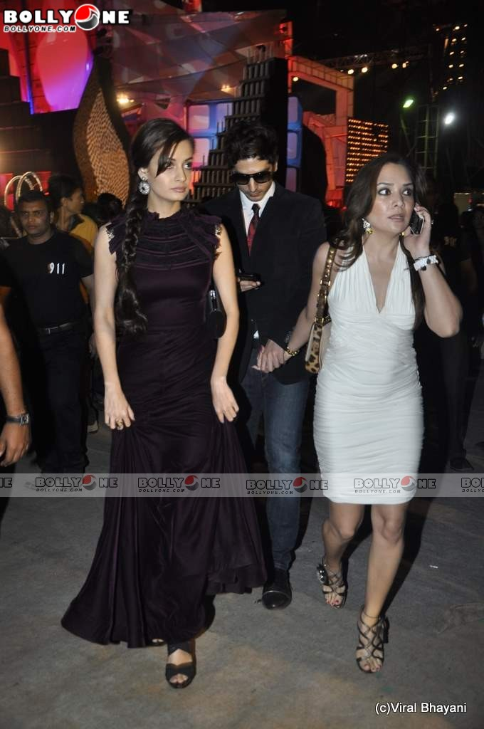 Dia Mirza & Vidya balan at Star Screen Awards 2011