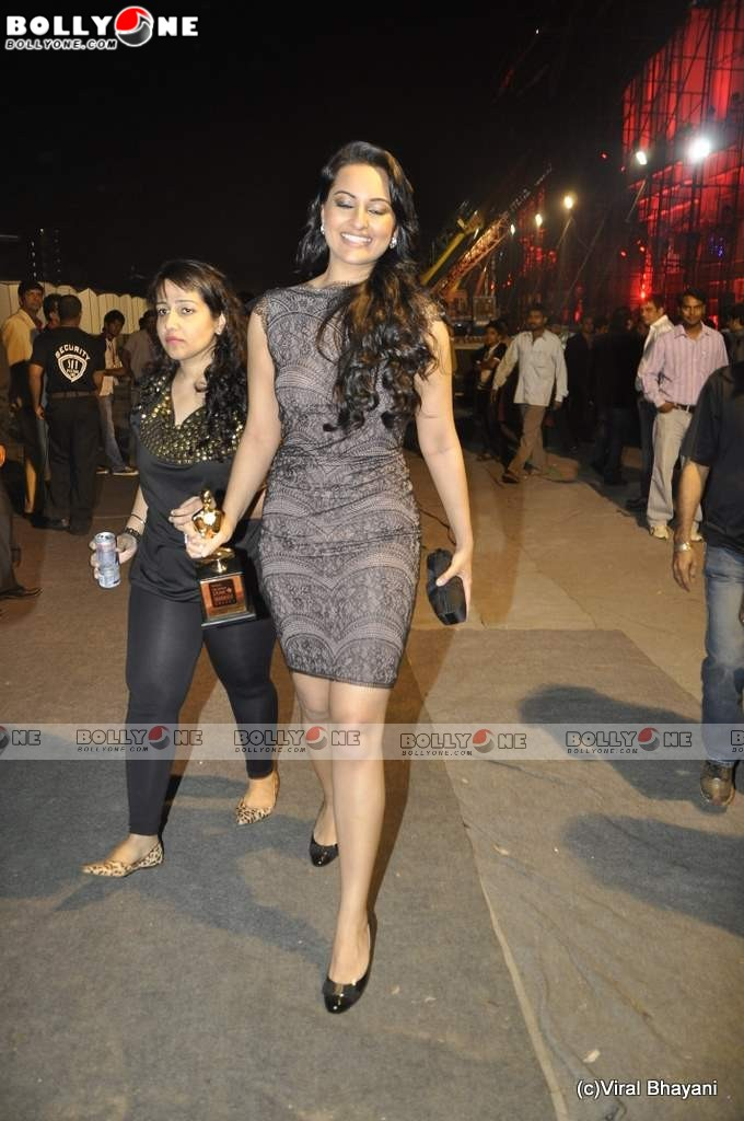 Sonakshi Sinha at Star Screen Awards 2011