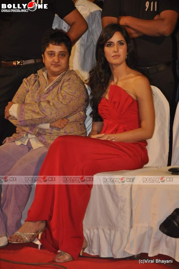Red Hot Katrina kaif at Star Screen Awards 2011