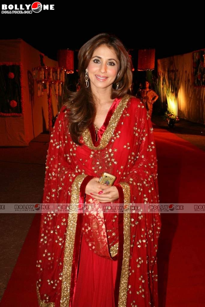 Sexy Urmila, Elegant Vidya in Redd Saree at Sandesh Mayekar's daughter Shivani's wedding reception