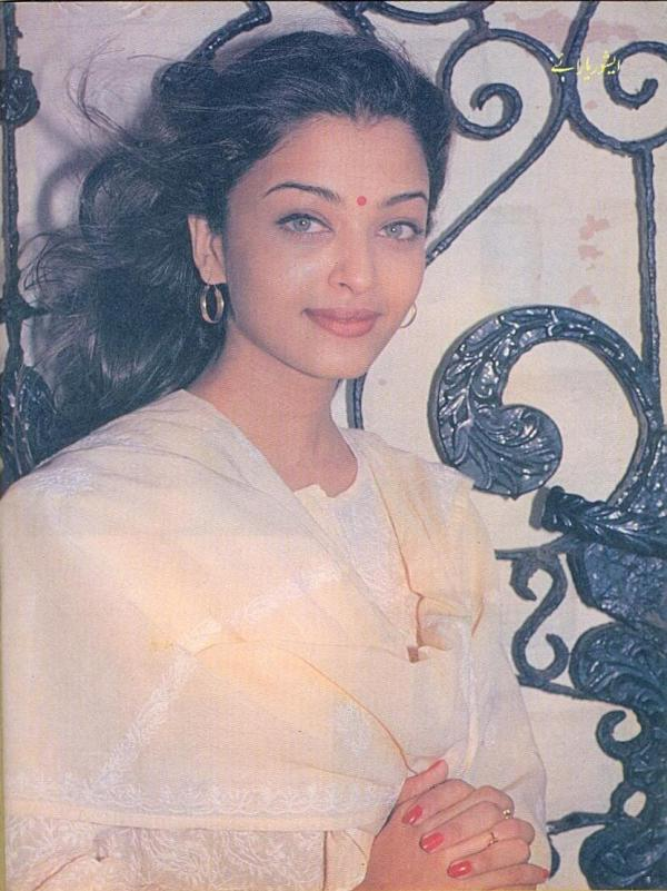 Aishwarya Rai Unseen Pics from 1993