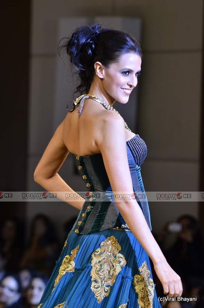 Neha Dhupia Walks the ramp at Mijwan Fashion show