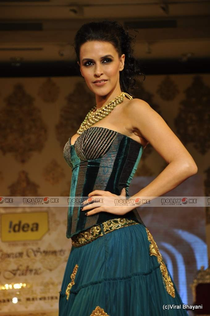 Neha Dhupia Walks the ramp at Mijwan Fashion show - SEXIEST FASHION SHOWS IN THE WORLD PICS - Famous Celebrity Picture