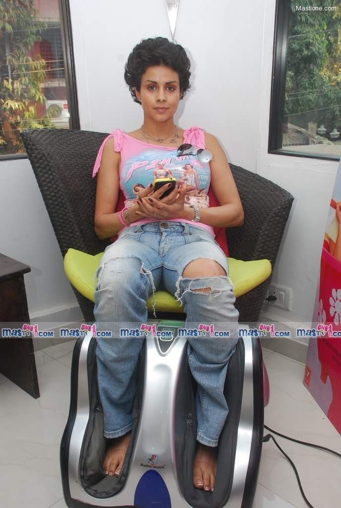 Gul Panag Turning 30 Stars at a Spa