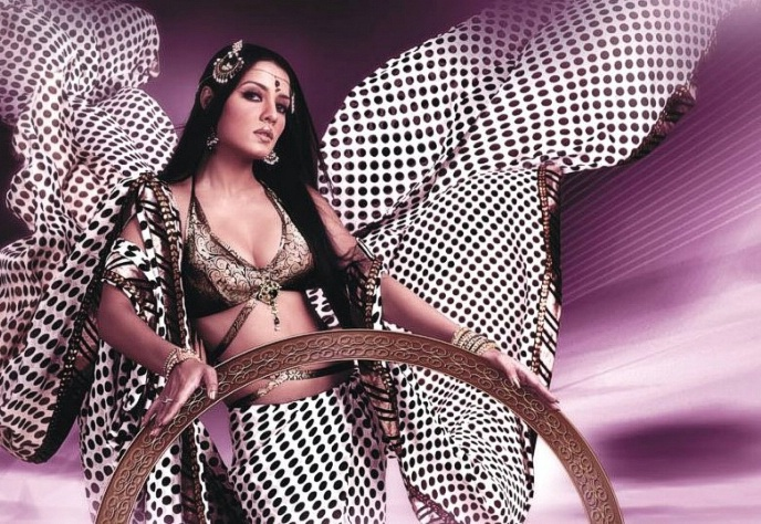 Celina Jaitley Hot Photoshoot for Jashnn Sarees
