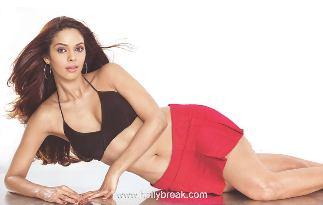 Daring Mallika Sherawat HOT Wallpaper