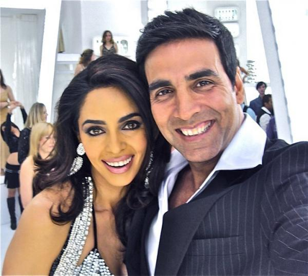 Mallika Sherawat Twitter Pic with Akshay