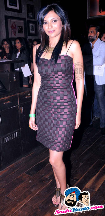 bollybreak_com_annual-rock-awards-2011-21 - Hot Rock Babes at Annual Rock Awards-2011