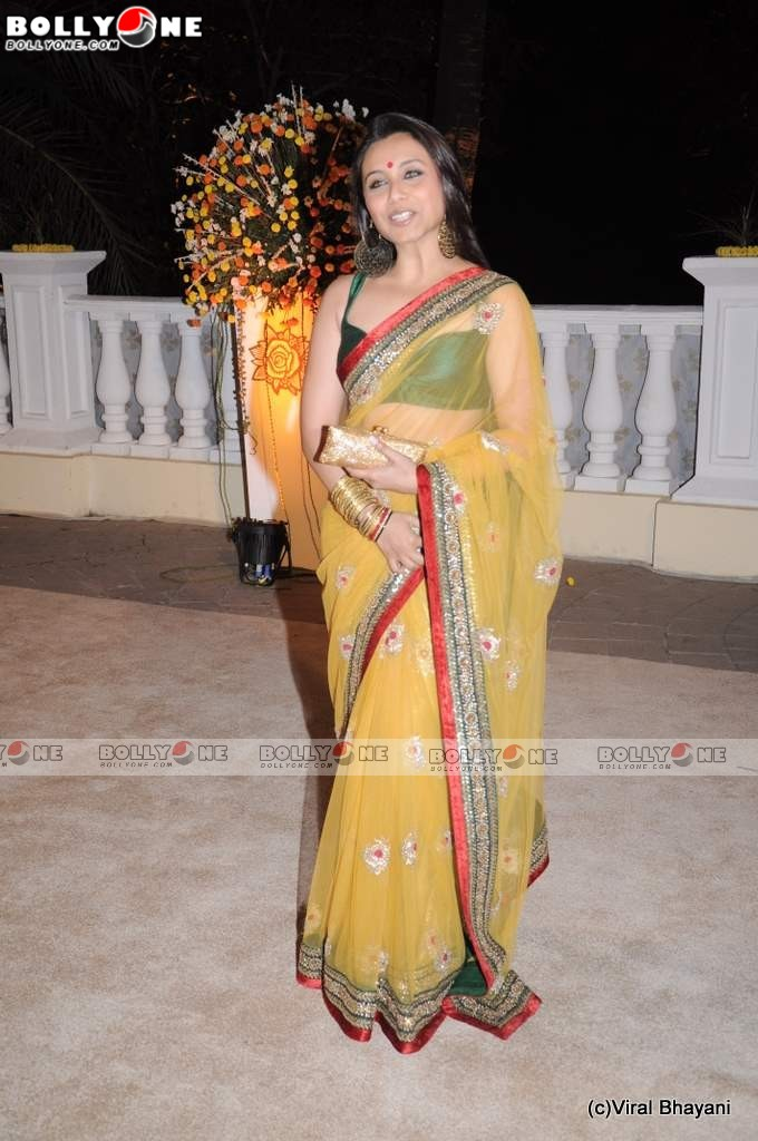 Sexy Rani mukherjee in Hot Saree at Imran Wedding Reception