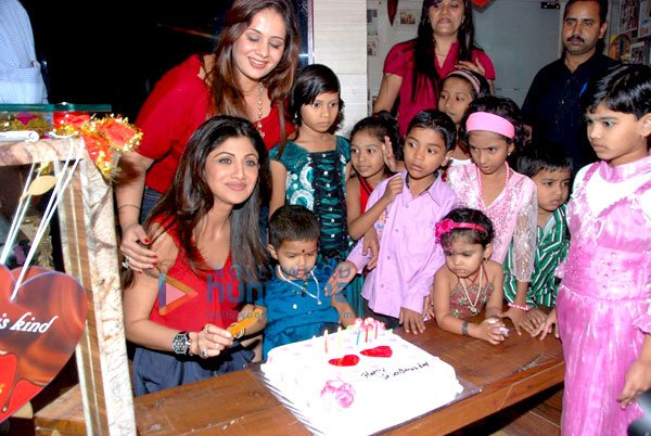 bollybreak_com_still1 -  Shilpa Shetty at IOSIS event with underprivileged children