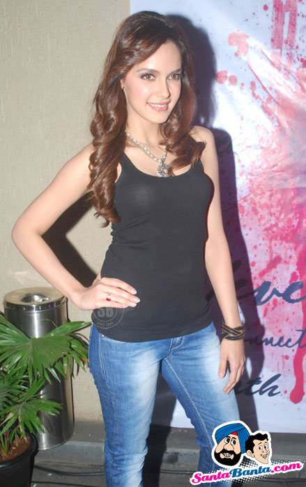bollybreak_com_7eventh-sin-apparels-launch-12 - Shazahn Padamsee Sexy Photoshoot at 7eventh Sin Apparels Launch