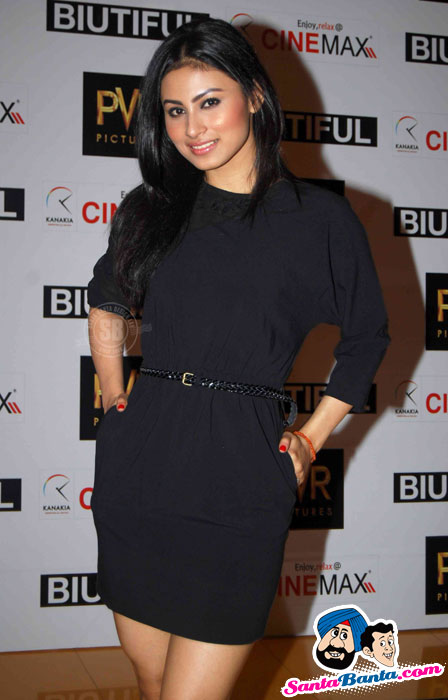 Sexy Mouni Roy, Tv Babes at Biutiful Premiere - SEXY KAREENA PICTURES - Famous Celebrity Picture