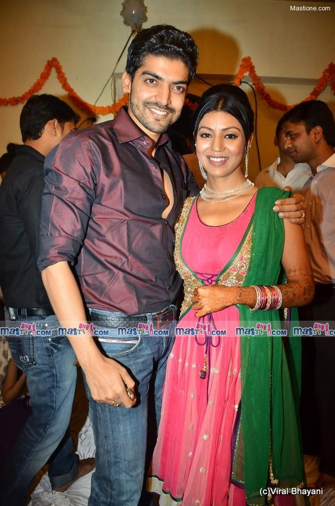 TV Babe Debina and Gurmeet's Sangeet Ceremony - SEXY KAREENA PICTURES - Famous Celebrity Picture