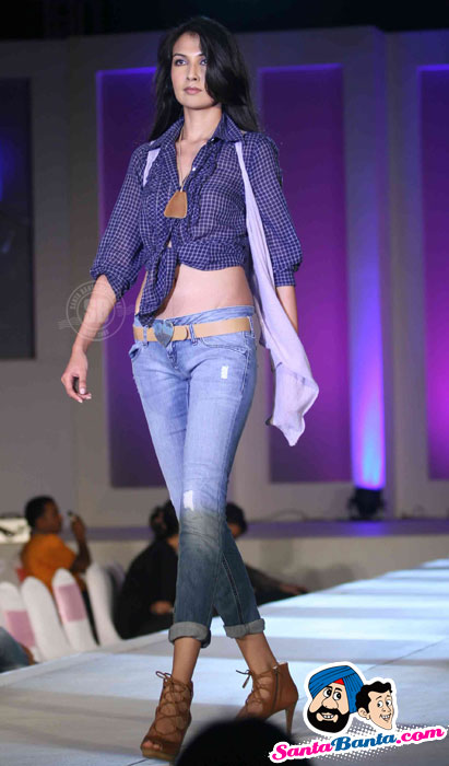 Models - India Fashion Forum 2011 Hot Pics