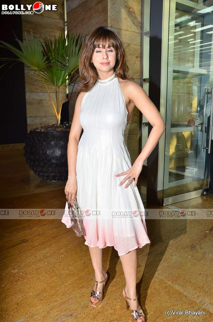, Urmila Matondkar sizzles at Lakme Fashion week 2011