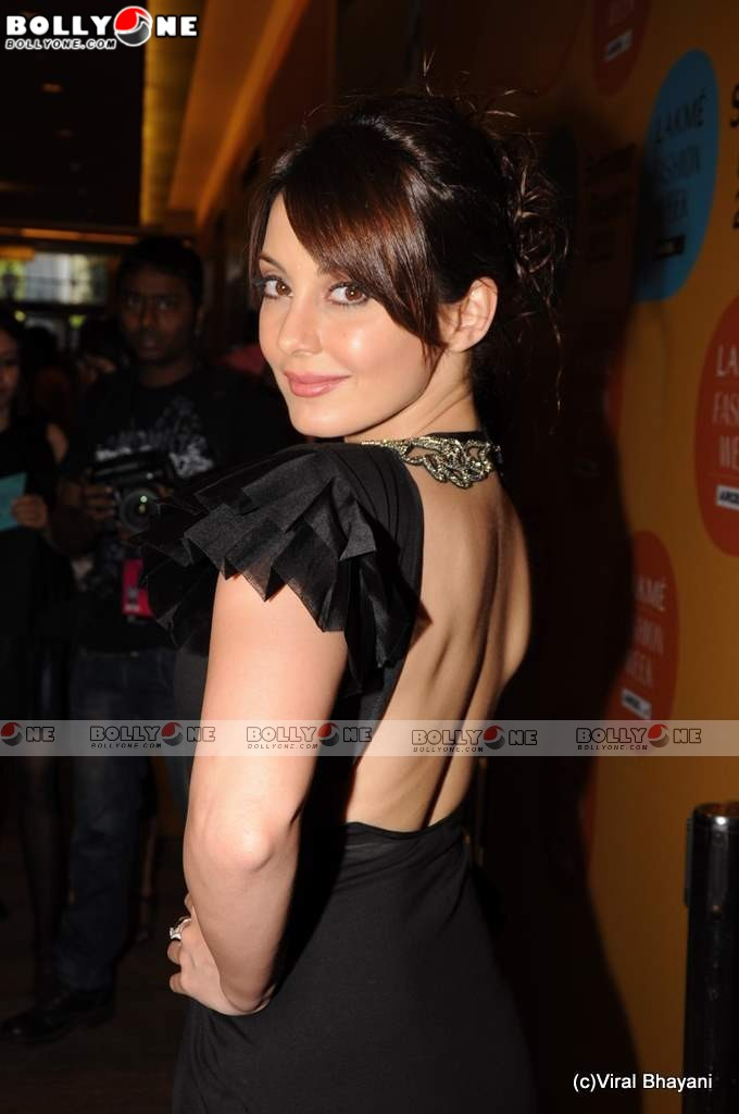 , Sexy Minissha Lamba at Lakme Fashion week 201