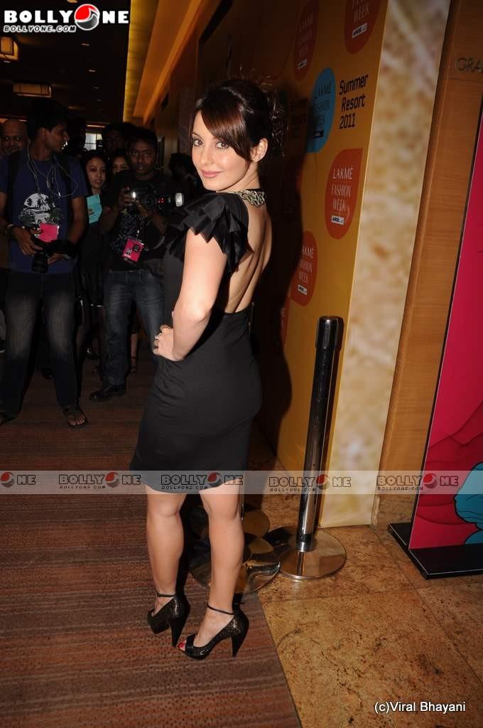 , Sexy Minissha Lamba at Lakme Fashion week 201