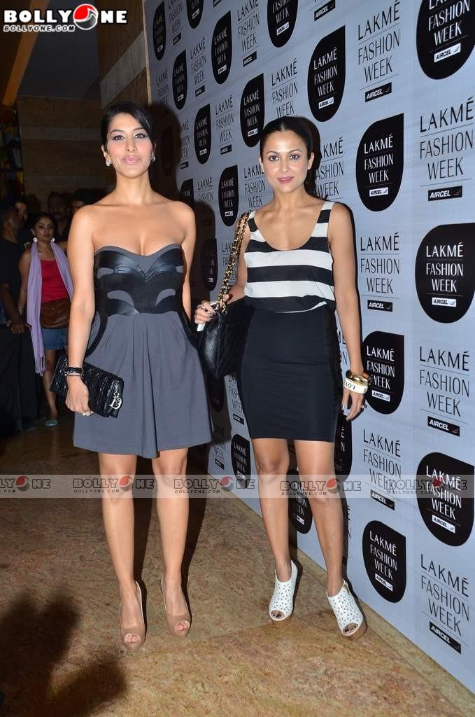 , Amrita Arora & Sophie at Lakme Fashion week 2011