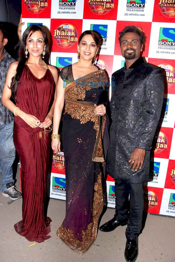 bollybreak_com_still1 -  Malaika, Yana and Madhuri on location of 'Jhalak Dikhhla Jaa'