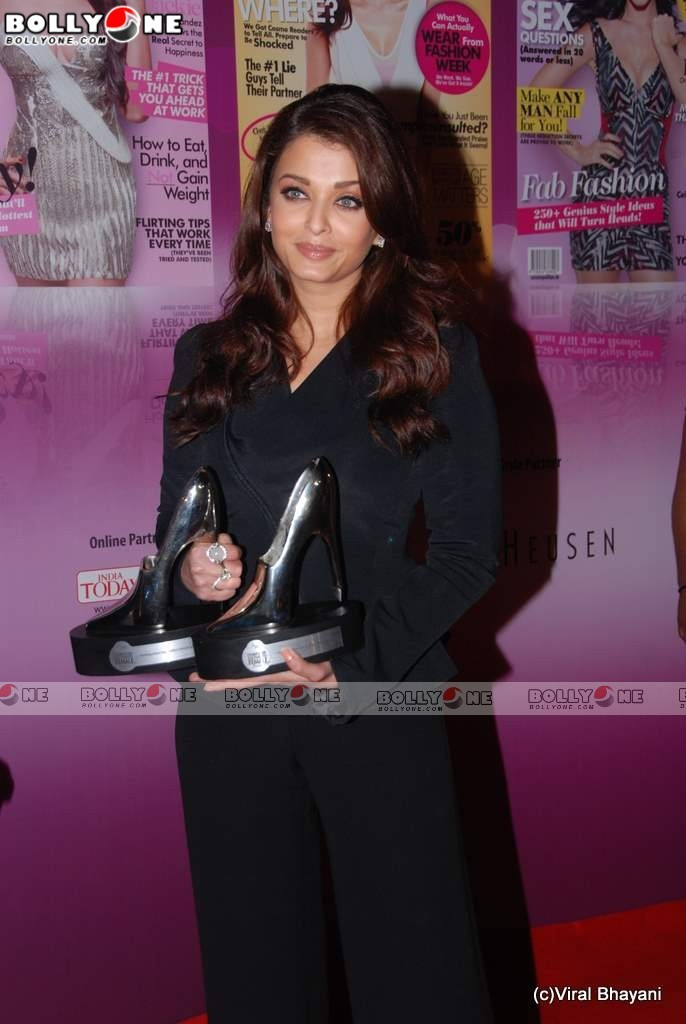 Aishwarya Rai at Cosmopolitan Awards red carpet