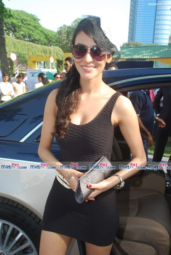 , Hot Gladrags model with Ness Wadia at CN Wadi Cup