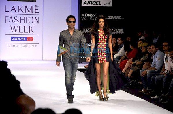 , Tusshar & Preeti Desai walk the ramp for Sabbah Sharma at 'Lakme Fashion Week 2011'
