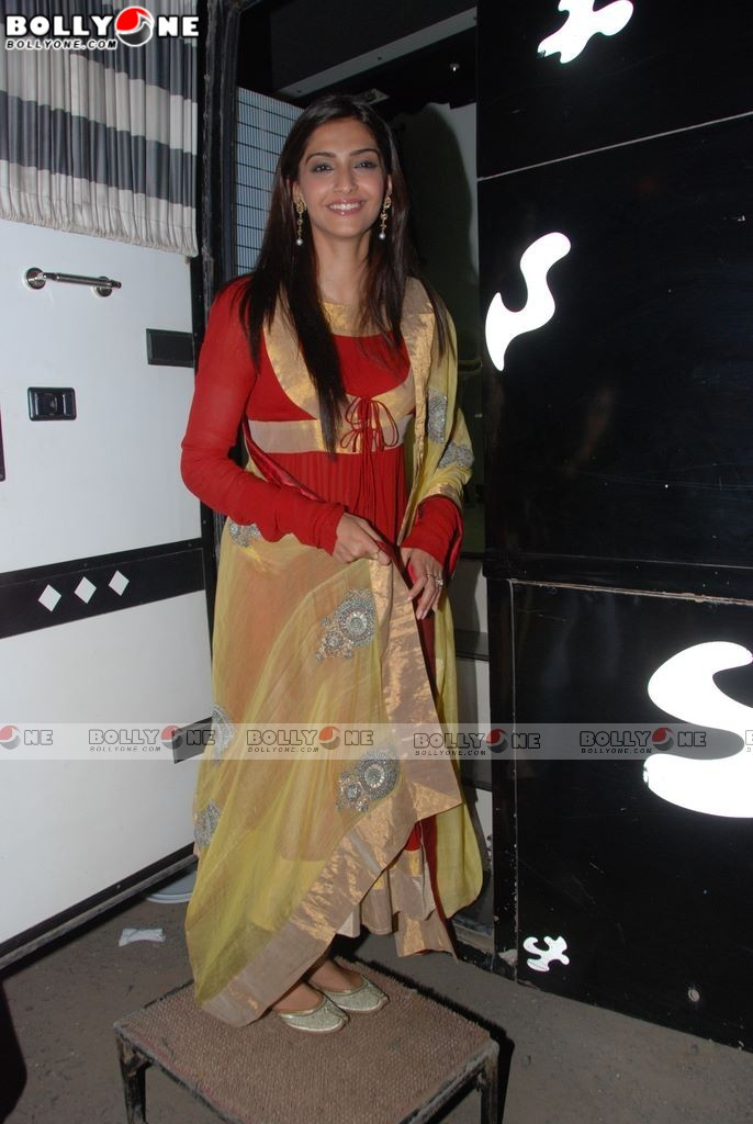  Sonam Kapoor, Celina Jaitely, Akshay at Thank You movie promotion