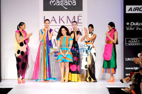  Mugdha, Jacqueline and Mandira grace Masaba&#39;s show at &#39;Lakme Fashion Week 2011&#39;