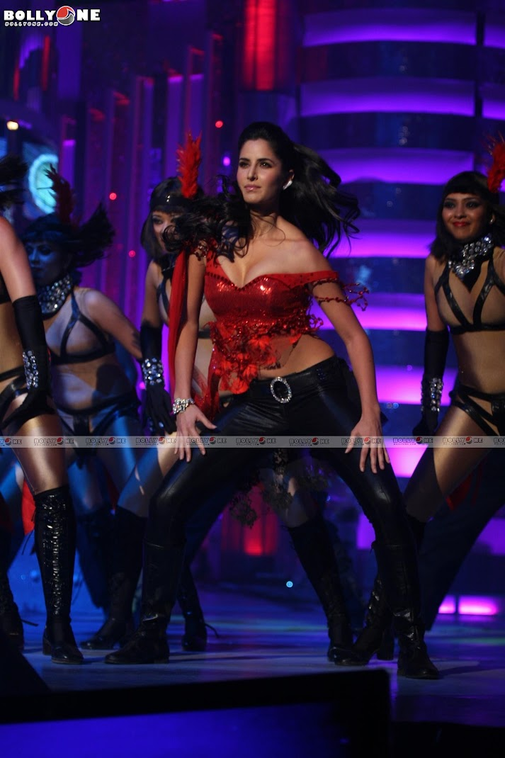Katrina Kaif Hot Performance IMA Awards - HQ Pics