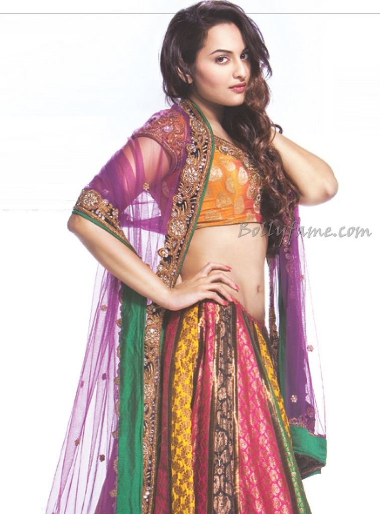 Sonakshi Sinha Hot Wallpaper in ghagra Choli