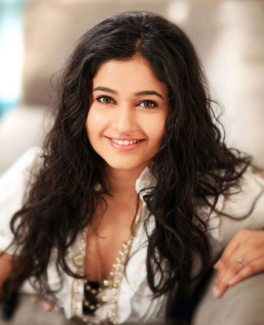  Poonam Bajwa Hot Photoshoot Pics