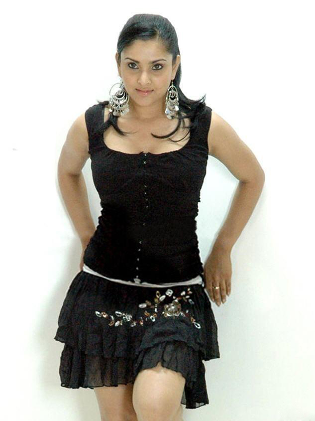  Divya Spandana Hot Photo Gallery
