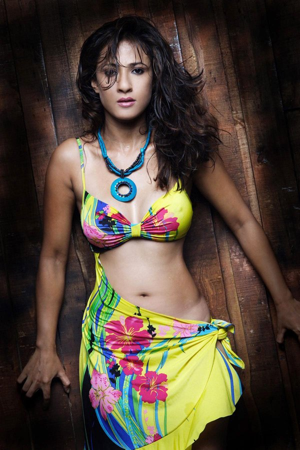Preeti Bhutani Hot Photoshoot Pics