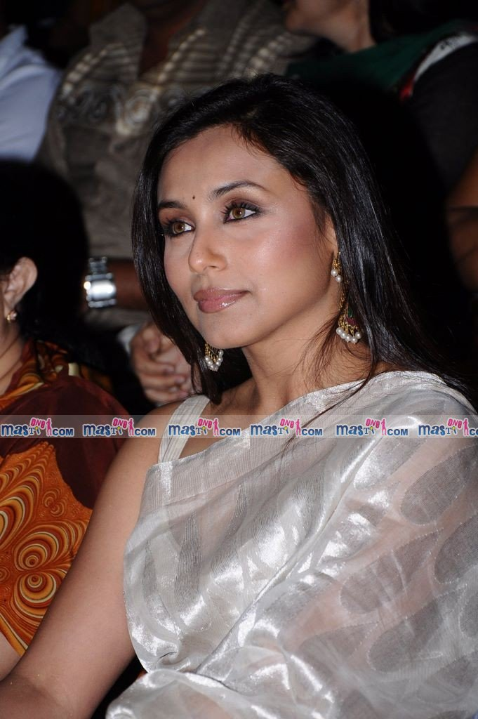 Hot Rani in Silk Saree at The Laadli National Media Awards