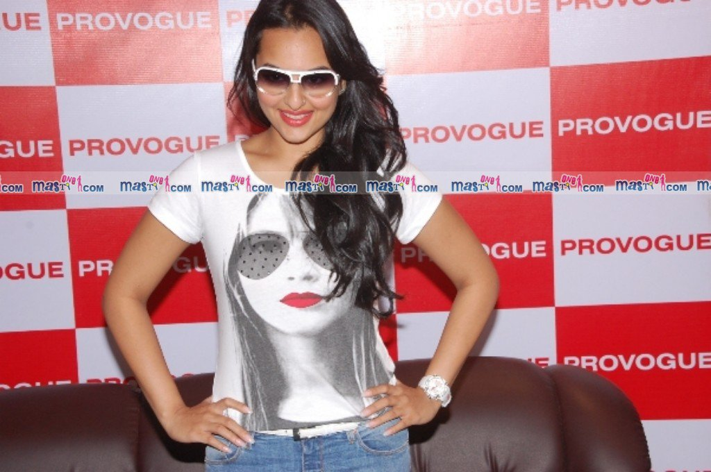 Sonakshi Sinha Provogue Store launch Pics