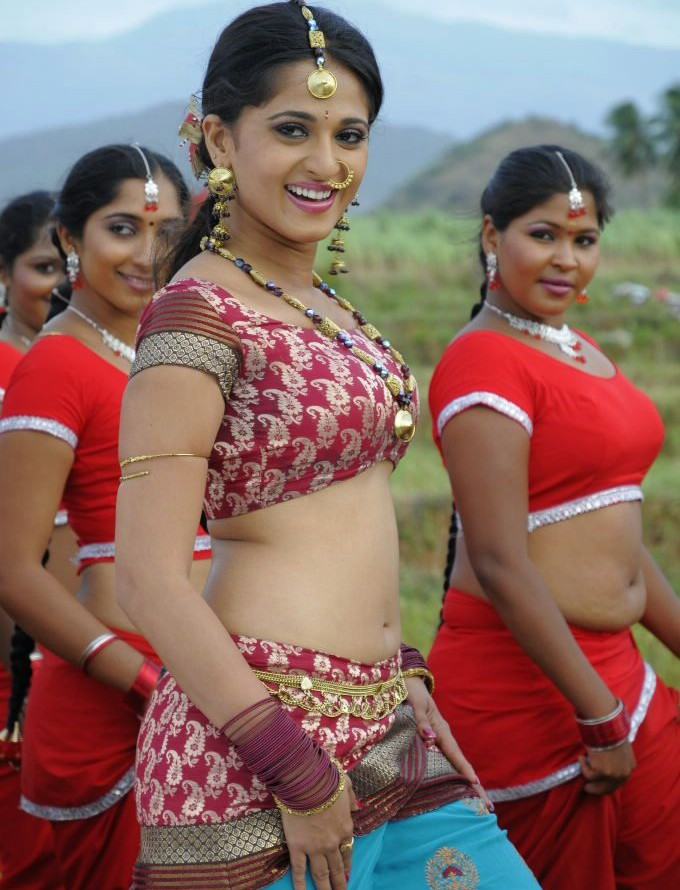 Anushka Shetty Latest Hot Unseen Wallpapers