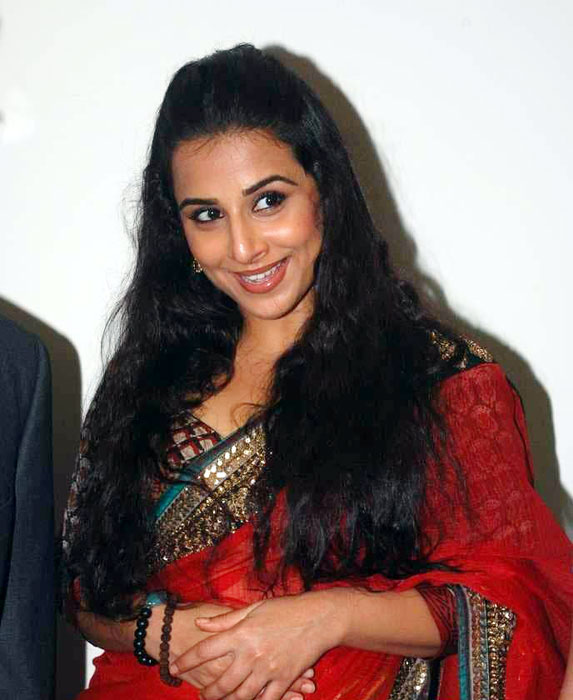 Vidya Balan Cute In Red Saree