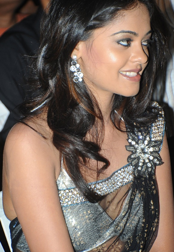 Bindu Madhavi In Hot Black & Silver Saree