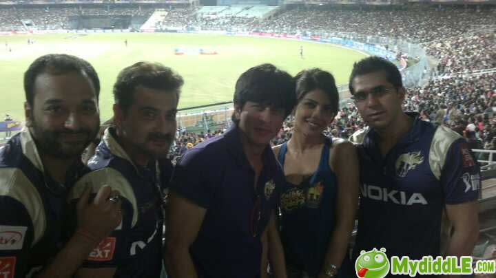 Priyanka Chopra - Priyanka Chopra looking Gorgeous at the KKR match