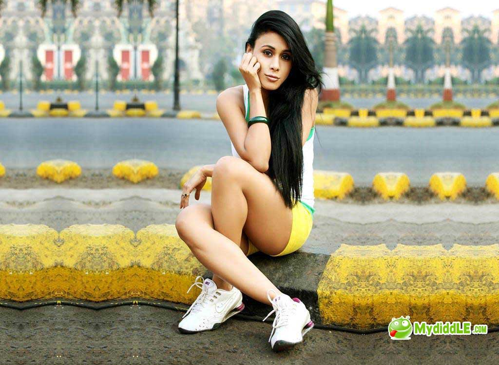 Upcoming Model Reeth Hot Wallpapers